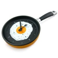 Frying Pan Egg Omelet Modern Design Wall Clock