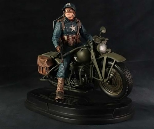 Gentle Giant Ultimates Captain America on Motorcycle Statue