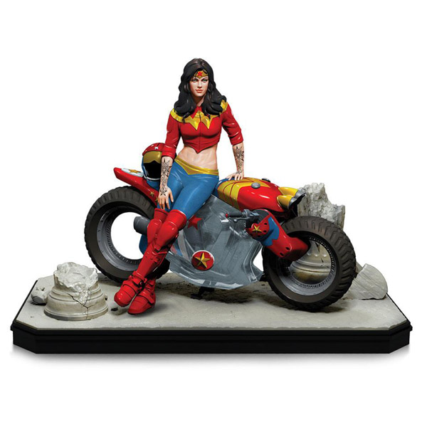 Gotham City Garage Wonder Woman Statue