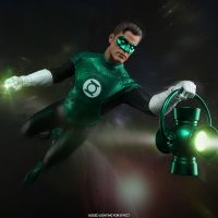 Green Lantern Sixth-Scale Figure with power battery