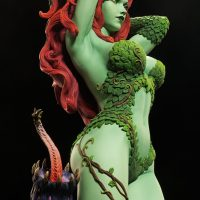 Green with Envy Poison Ivy Premium Format Figure