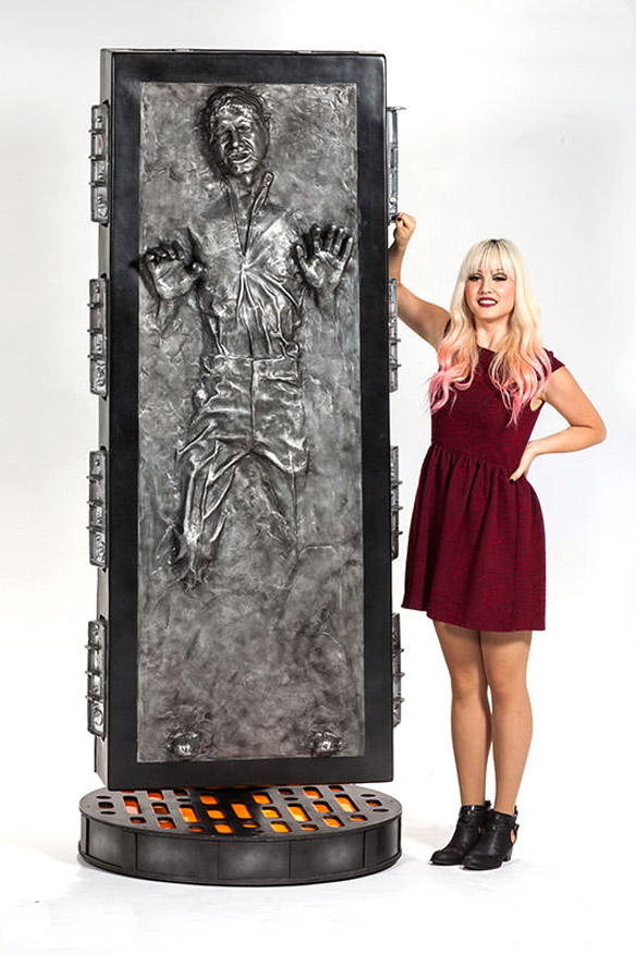 Solo in Carbonite Life-Size Figure