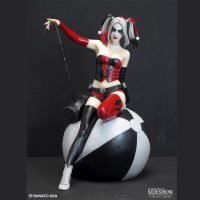 Harley Quinn Fantasy Figure Collectible Statue front
