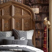 Harry Potter Great Hall Bed Detail Right