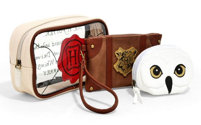 Harry Potter Hogwarts Letter Cosmetic Bag Set