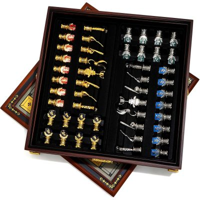 Harry Potter Quidditch Noble Collection Chess Set