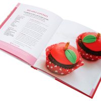 Hello Kitty Baking Book Cupcakes