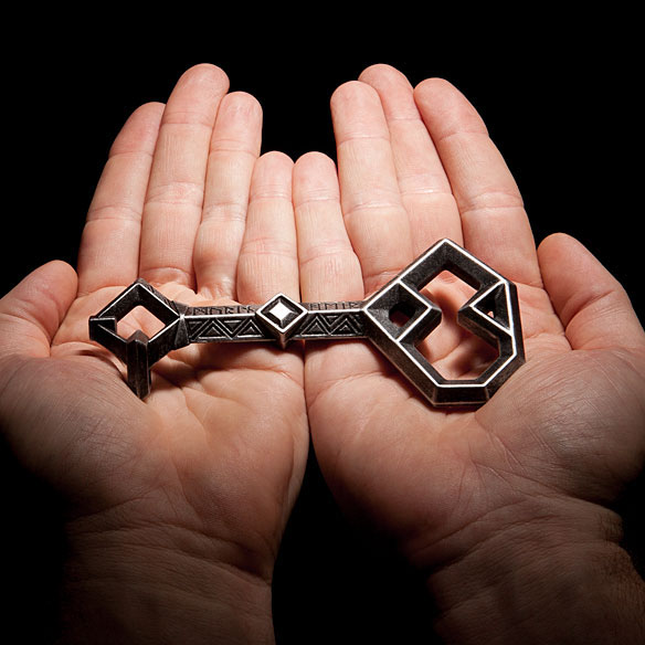 Hobbit Thorin's Key to Erebor Prop Replica