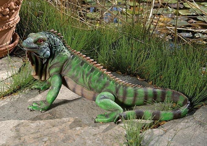 Iguana Garden Statue Big