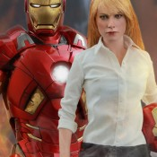 Iron Man 3 Pepper Potts and Iron Man Mark IX Sixth-Scale Figures