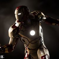 Iron Man Mark 42 Quarter Scale Maquette Light-Up Features