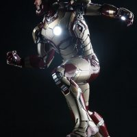 Iron Man Mark 42 Quarter Scale Maquette Lights On Mask Up