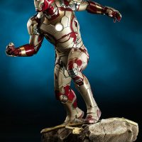 Iron Man Mark 42 Quarter Scale Maquette Side