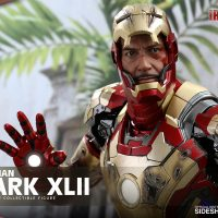 Iron Man Mark XLII Quarter-Scale Figure 10