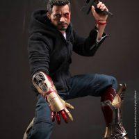 Iron Man Tony Stark The Mechanic Sixth Scale Figure