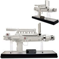 James-Bond-Moonraker-Laser-Gun-Prop-Replica