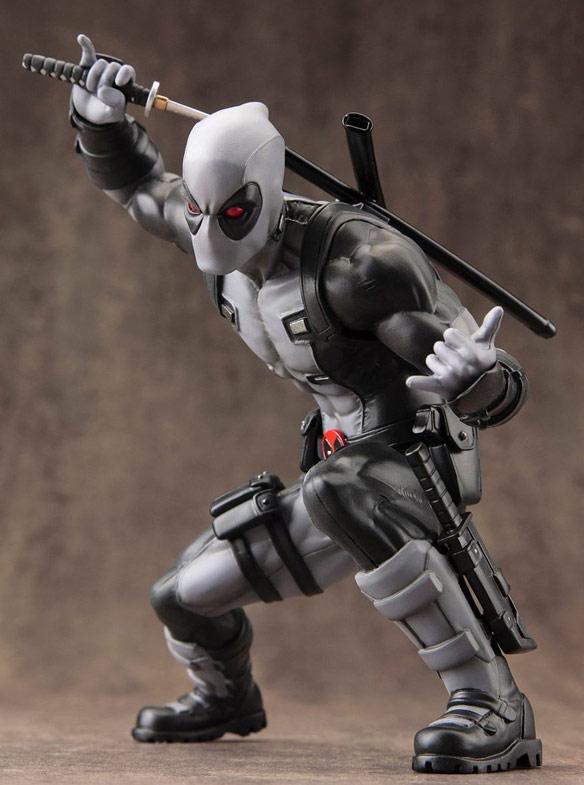 Kotobukiya XForce Deadpool ARTFX+ Statue