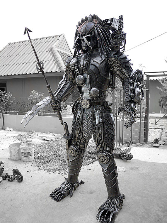 Kreatworks Full Size Predator Sculpture