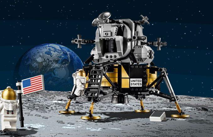 LEGO Creator NASA Apollo 11 Lunar Lander Set