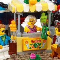 LEGO Creator Roller Coaster Juice Shop