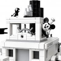 LEGO Disney Mickey Mouse Steamboat Willie 21317