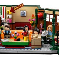 LEGO IDEAS Friends Central Perk Set 21319