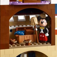 LEGO The Disney Castle Mickey Mouse
