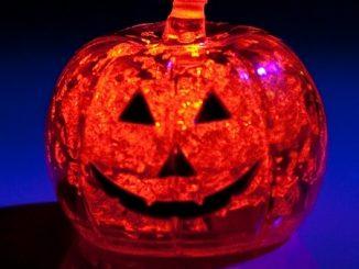 Light-Up! Pumpkin Ice Cubes