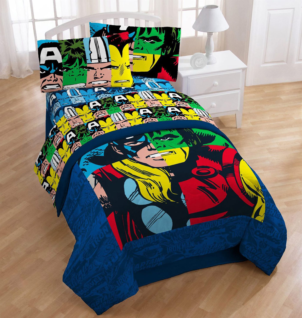 Marvel Heroes Cut Up Twin Comforter