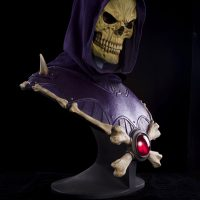 Masters of the Universe Skeletor Bust with LED Eyes