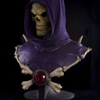 Masters of the Universe Skeletor Life-Size Bust with LED Eyes Angle