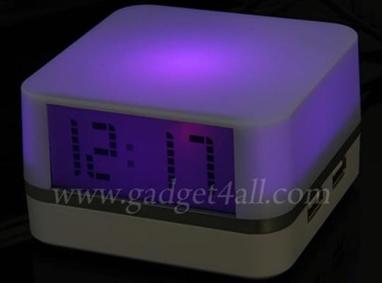 Moody Clock USB Hub