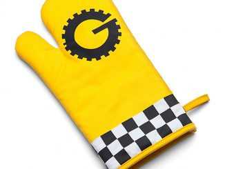 Mystery Science Theater 3000 Gizmonic Oven Mitt