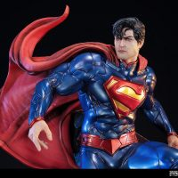 new-52-superman-polystone-statue-4