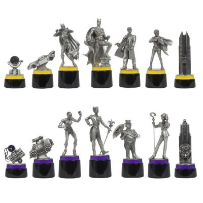 Noble Collection Batman Gotham Cityscape Chess Pieces
