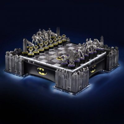 Noble Collection Batman Gotham Cityscape Chess Set