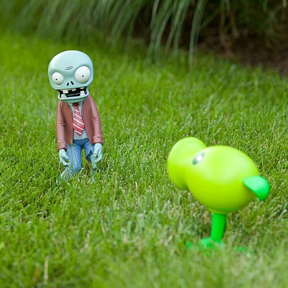 Plants vs Zombies Yard Ornaments