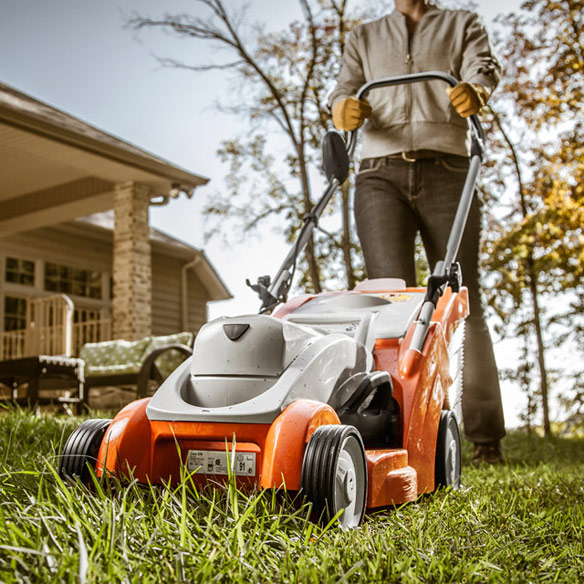 RMA 370 STIHL Lithium Ion Lawn Mower Stihl RMA 370 Lithium Ion Lawn Mower