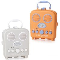 Retro styled beach speaker