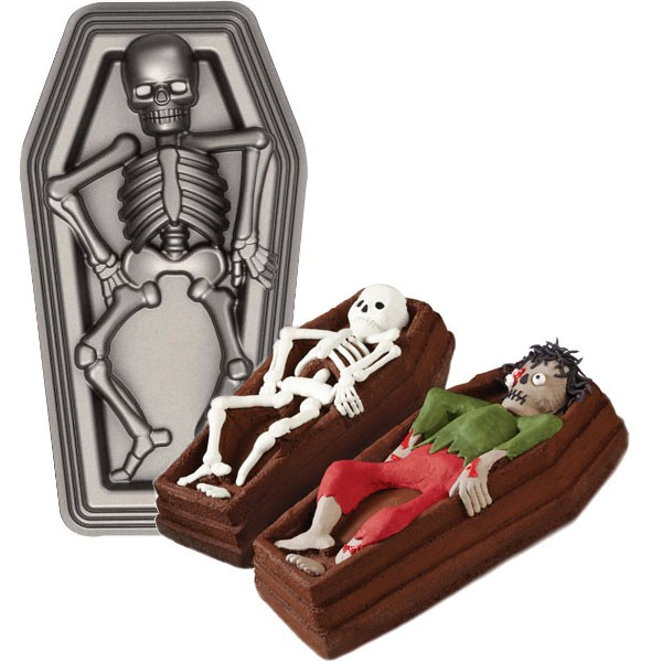 Skeleton In Casket 3d Cake Pan