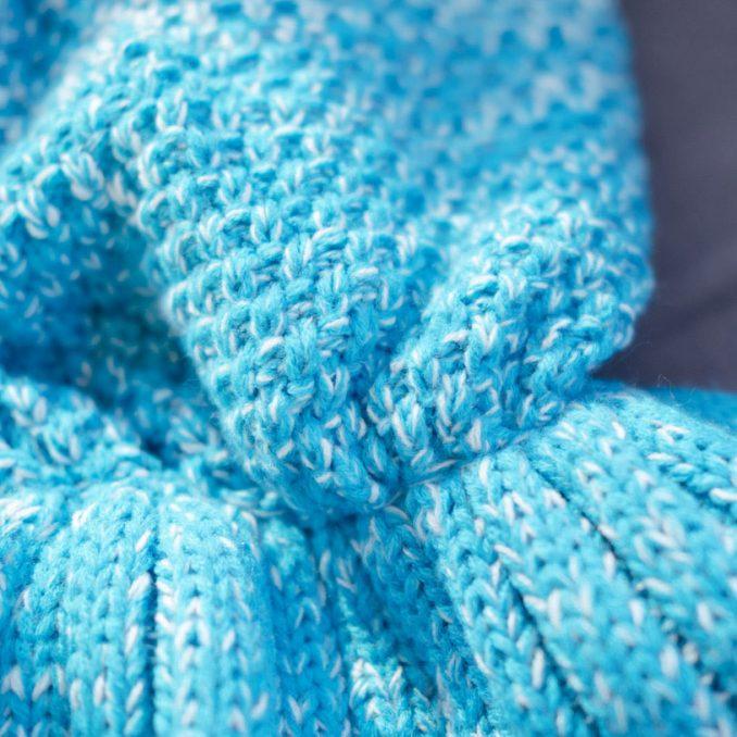 Unisex Slip-on Knitted Mermaid Blanket