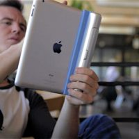 Smart Cargo as iPad Grip
