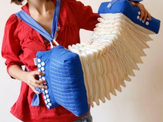 Soundless fabric accordion pillow