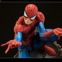 Spider-Man Polystone Statue detail