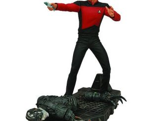 Star Trek Select The Next Generation Captain Jean-Luc Picard Figure