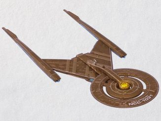 Star Trek U.S.S. Discovery Christmas Ornament