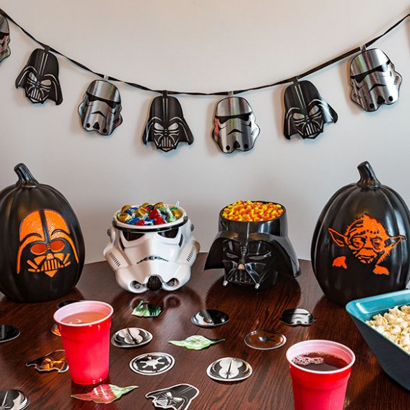 Star Wars Darth Vader and Stormtrooper Helmet Garland