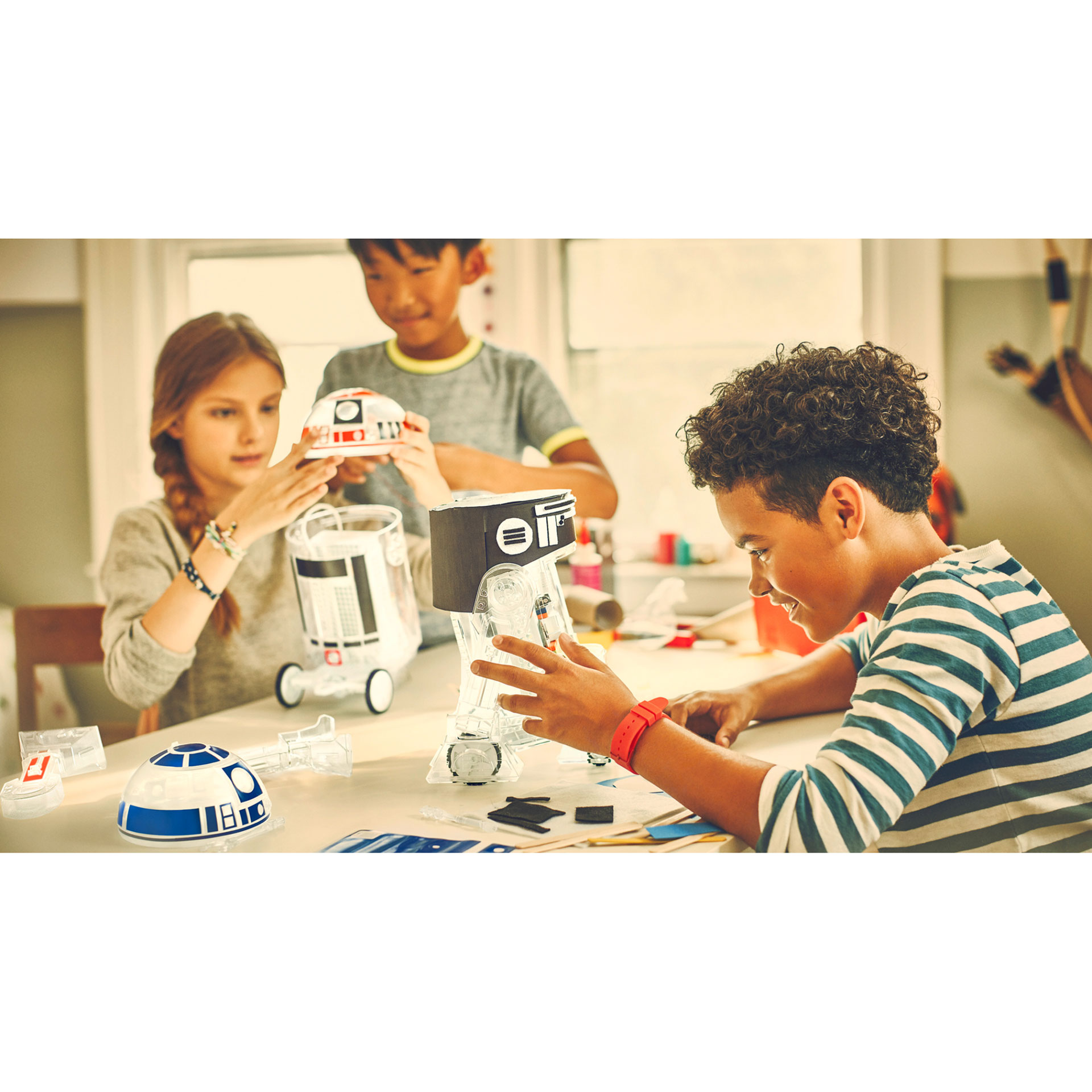 Littlebits Star Wars R2 D2 Droid Inventor Kit Fun Way For Kids To Build Circuits And Make Things They