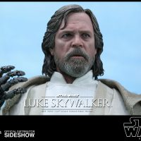 star-wars-the-force-awakens-luke-skywalker-sixth-scale-figure-4