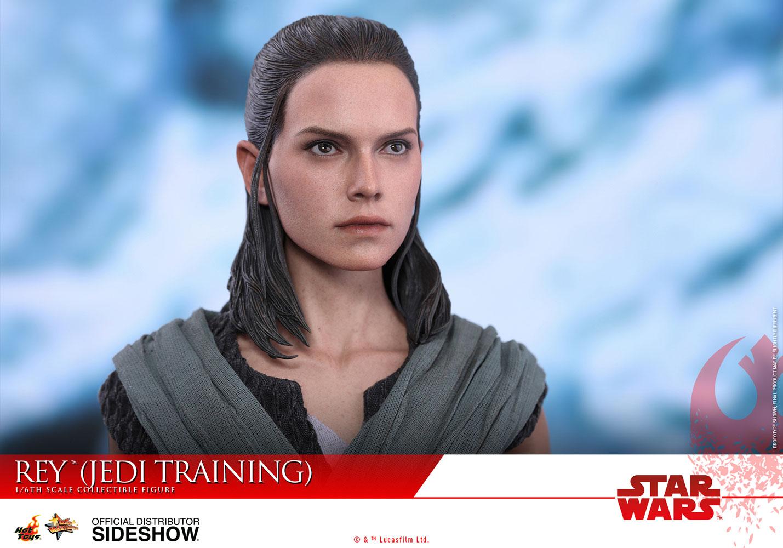 Rey: Star Wars: The Last Jedi Rey (Jedi Training) Sixth-Scale